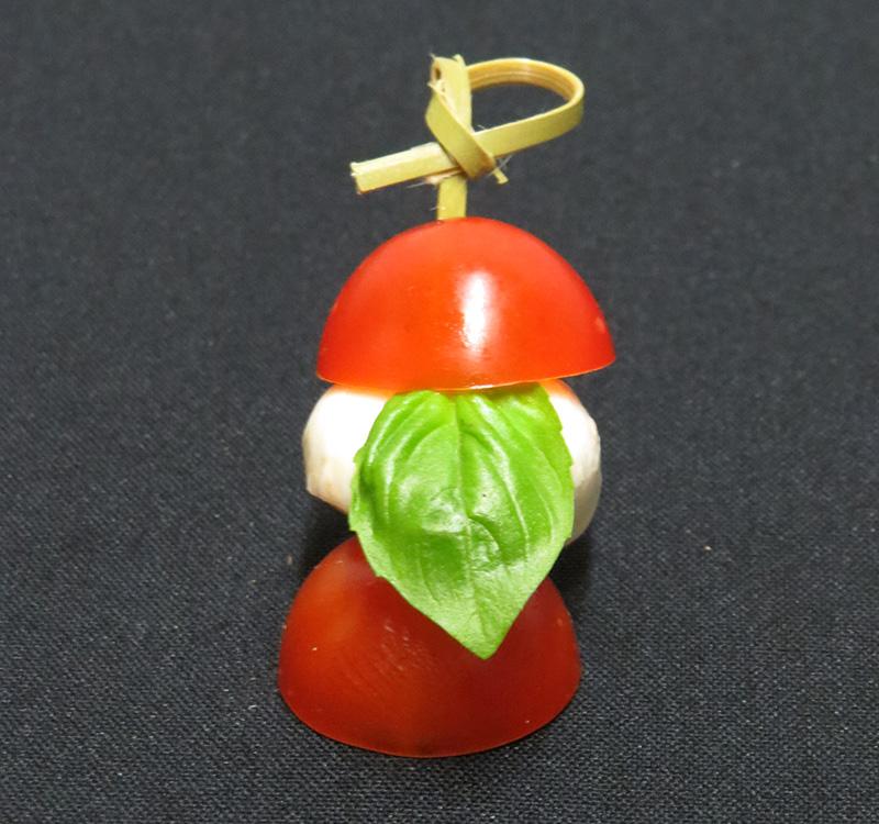 Sirina's Tomaten-Mozzarella-Spießchen